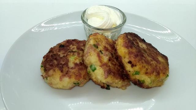 Картофельные биточки с сыром и колбасой – пошаговый рецепт с фотографиями