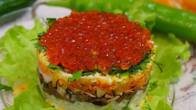 Праздничный салат из кальмаров с красной икрой! – пошаговый рецепт с фотографиями