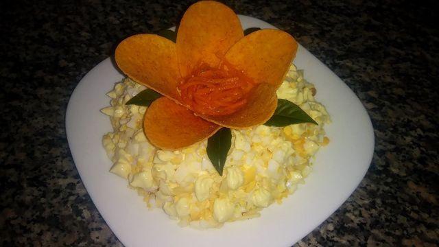 Салат орхидея с чипсами и корейской морковкой – пошаговый рецепт с фотографиями