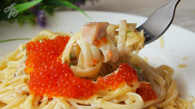 Паста с форелью в сливочном соусе  – пошаговый рецепт с фотографиями