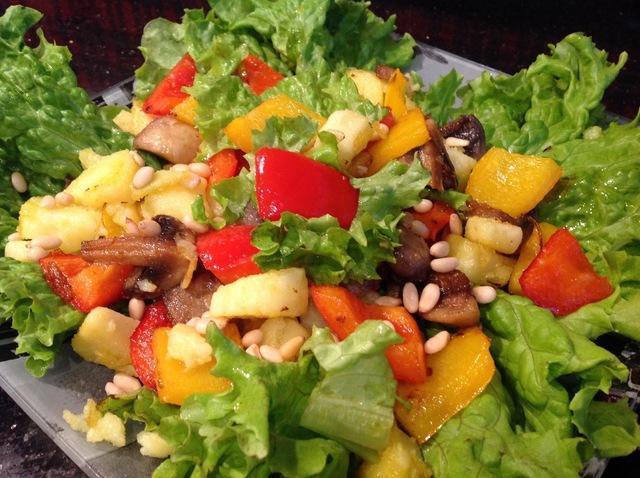 Тёплый салат с кедровыми орешками – пошаговый рецепт с фотографиями