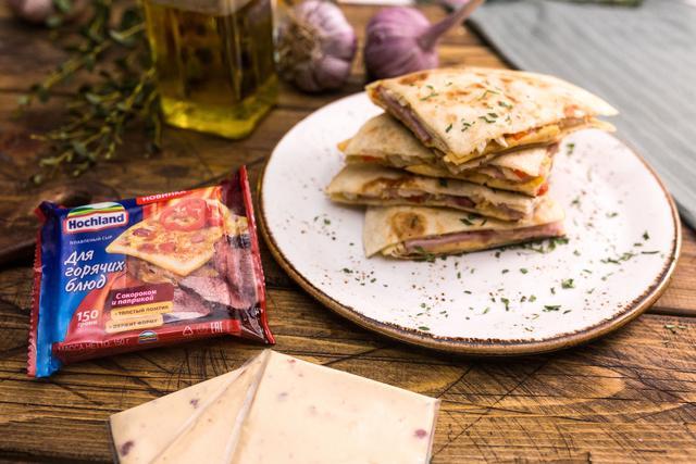 Сырная кесадилья с курицей и ветчиной – пошаговый рецепт с фотографиями