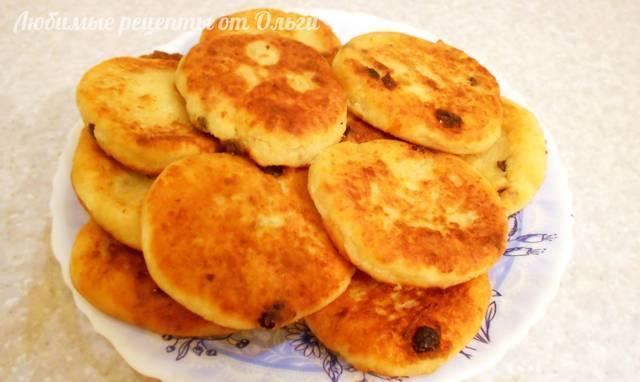 Сырники из творога пышные с изюмом. очень просто и вкусно! – пошаговый рецепт с фотографиями