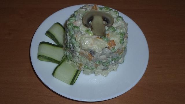 Салат оливье с грибами. вкусный салат на каждый день и на праздничный стол! – пошаговый рецепт с фотографиями