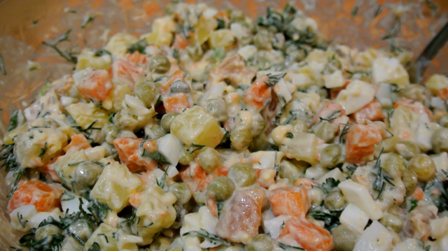 Салат оливье по-новому с подкопченными брюшками семги. – пошаговый рецепт с фотографиями