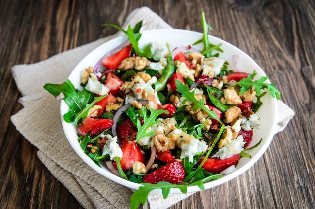 Салат с клубникой – пошаговый рецепт с фотографиями
