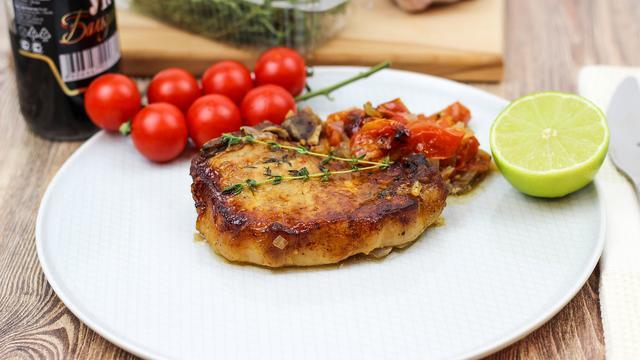 Свинина запеченная в духовке с лаймовым маринадом и соусом-рагу из томатов – пошаговый рецепт с фотографиями