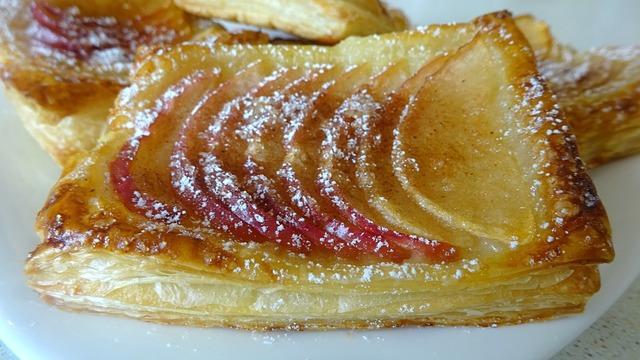 Слойки с яблоком и корицей – пошаговый рецепт с фотографиями
