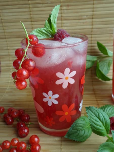 Лимонад из смородины, малины и яблок – пошаговый рецепт с фотографиями