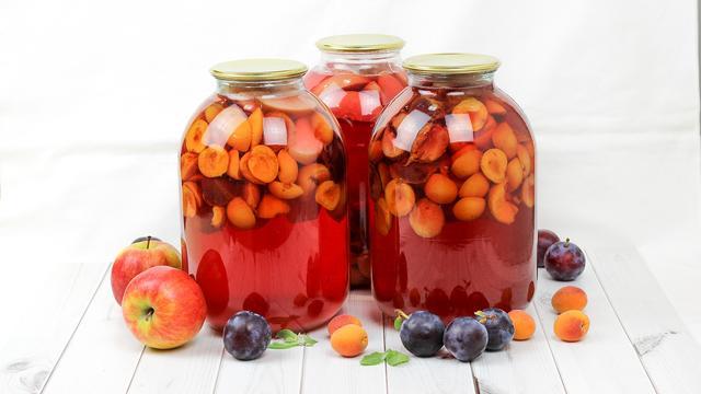 Компот ассорти из абрикос, слив и яблок на зиму – пошаговый рецепт с фотографиями