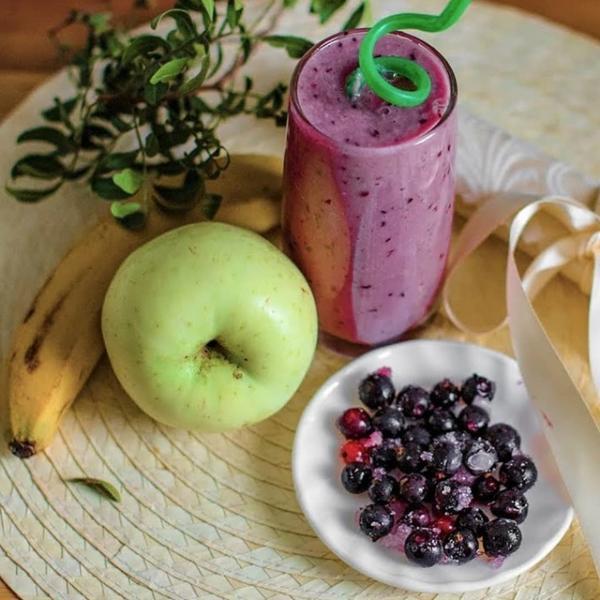 Простейший смузи с бананом, яблоком и смородиной – пошаговый рецепт с фотографиями