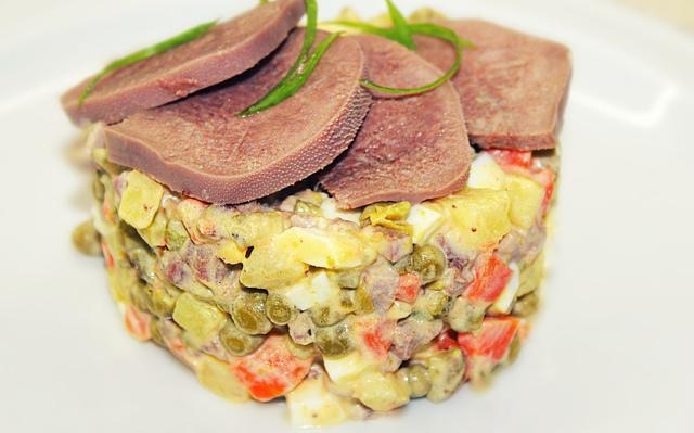 Салат оливье с языком - новогодний салат – пошаговый рецепт с фотографиями