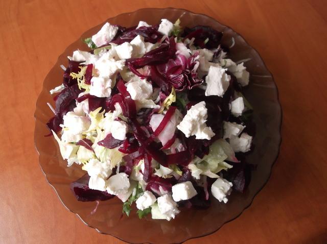 Легкий салат со свеклой, редькой и фетой. – пошаговый рецепт с фотографиями