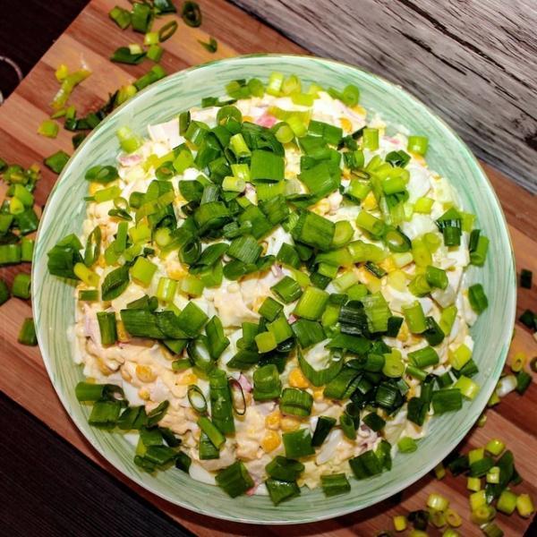 Салат нежность с крабовыми палочками и плавленным сыром  – пошаговый рецепт с фотографиями
