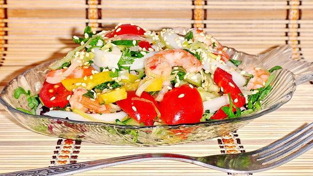 Салат с креветками и кальмарами от сержа марковича – пошаговый рецепт с фотографиями