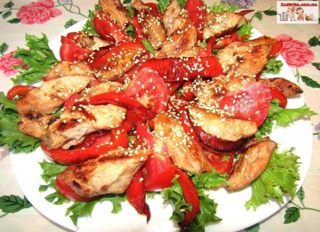 Теплый салат с курицей, помидорами и перцем – пошаговый рецепт с фотографиями
