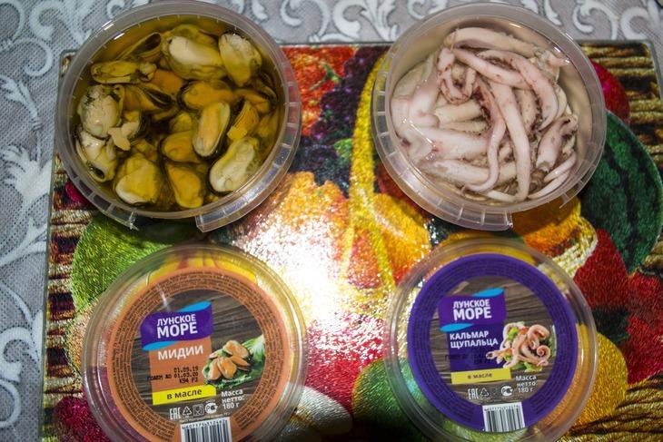 Салат из кальмаров и мидий с чипсами жемчужина моря – пошаговый рецепт с фотографиями