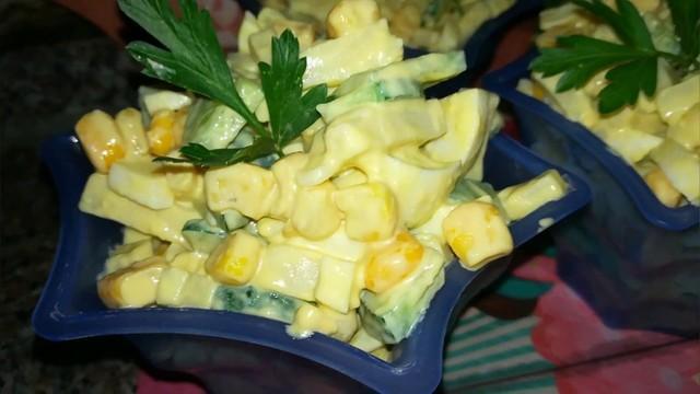 Салат за 5 минут с кукурузой  – пошаговый рецепт с фотографиями
