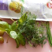 Окрошка с малосольной форелью, оливками и овощами на йогурте. – пошаговый рецепт с фотографиями