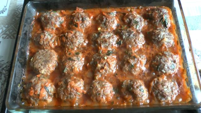 Мясные тефтели с рисом в томатном соусе в духовке – пошаговый рецепт с фотографиями