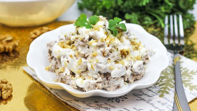 Салат мясной с говядиной и грецким орехом – пошаговый рецепт с фотографиями