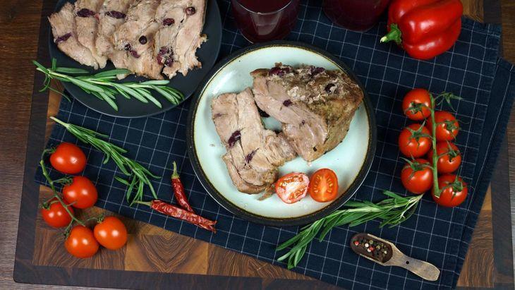 Буженина с клюквой по-домашнему  на праздничный стол  – пошаговый рецепт с фотографиями