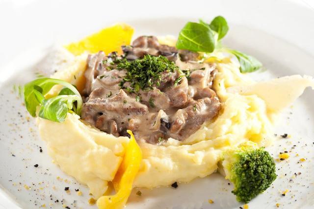 Бефстроганов из говядины с грибами и картофельным пюре – пошаговый рецепт с фотографиями