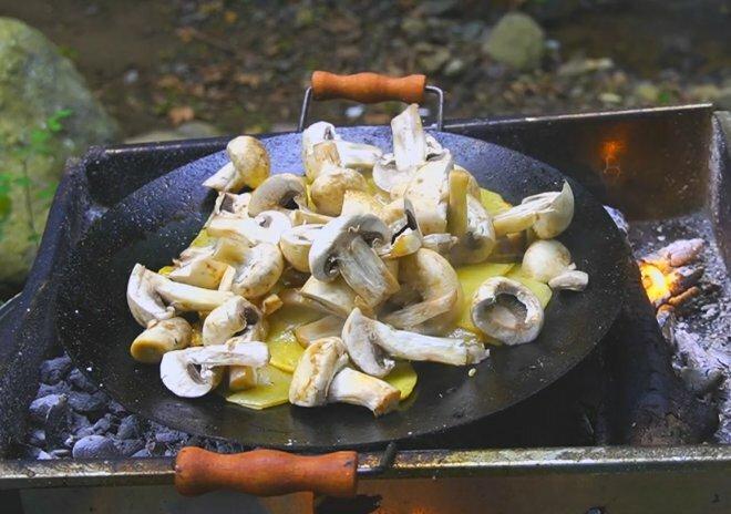 Рецепт очень вкусной жареной картошки с грибами