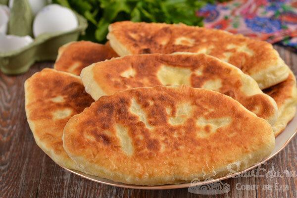 Быстрые жареные пирожки на кефире с картошкой