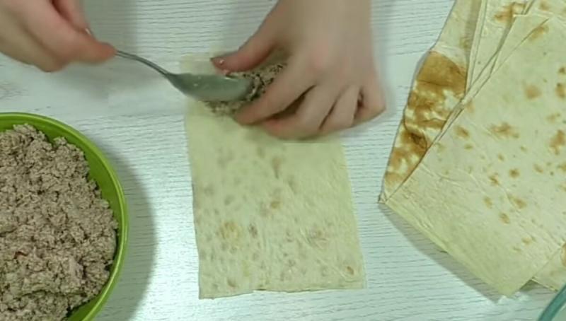 Вкуснятина из лаваша, которая съедается за минуты