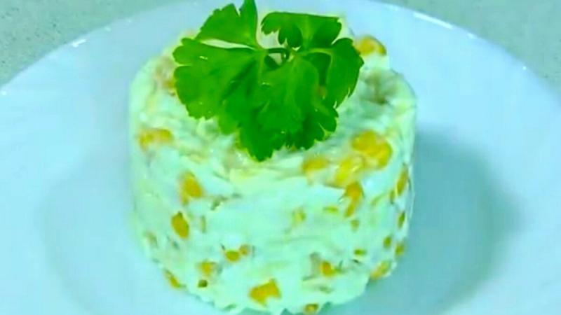 Вкусный, простой салатик за пять минут.
