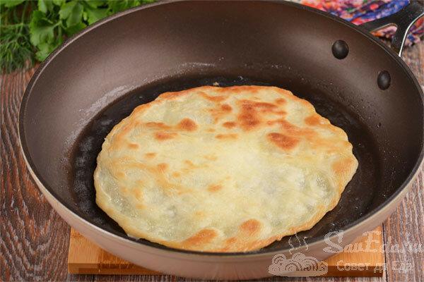Быстрые лепешки на сметане без яиц. 3 способа приготовления
