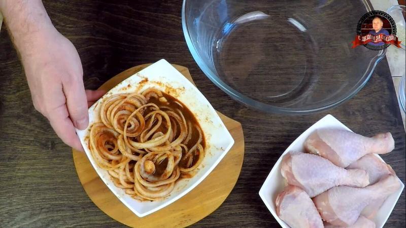 Курица в соево-медовом соусе с кунжутом в духовке
