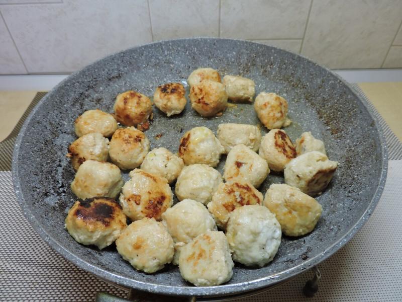 Приготовила фрикадельки в картошке: рассказываю рецепт