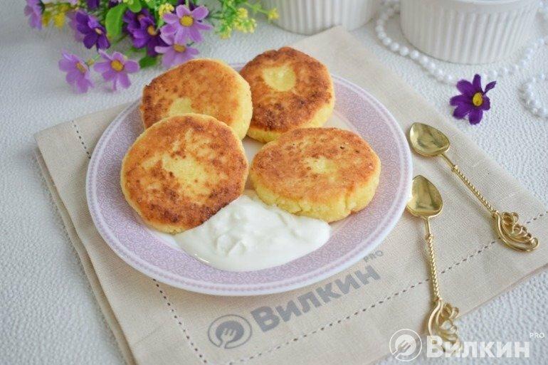 Сырники без яиц с манкой (муку используем только для панировки)