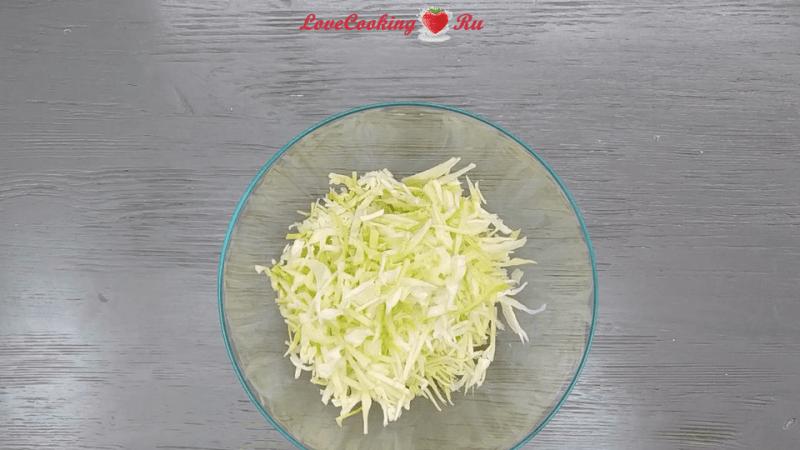 Салат с курицей и ананасами - вкусно, просто, полезно!