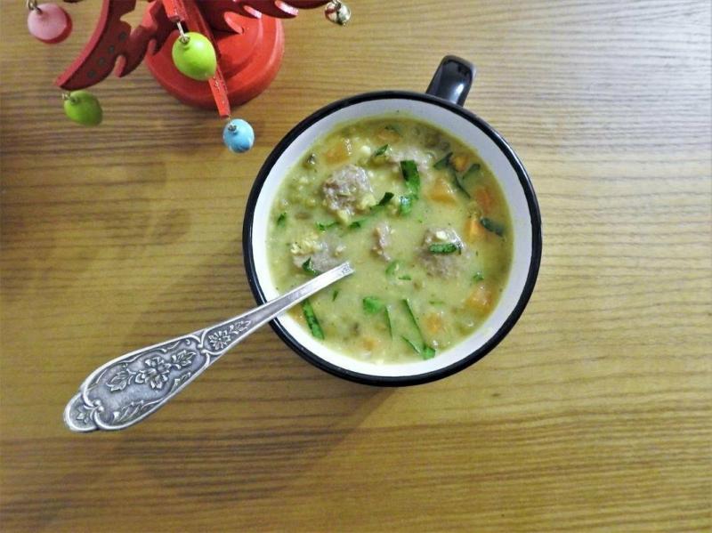 Суп из маша с фрикадельками. Вы готовите маш?