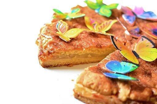 Заливной пирог - вкусно с любой начинкой, а делается за 10 минут