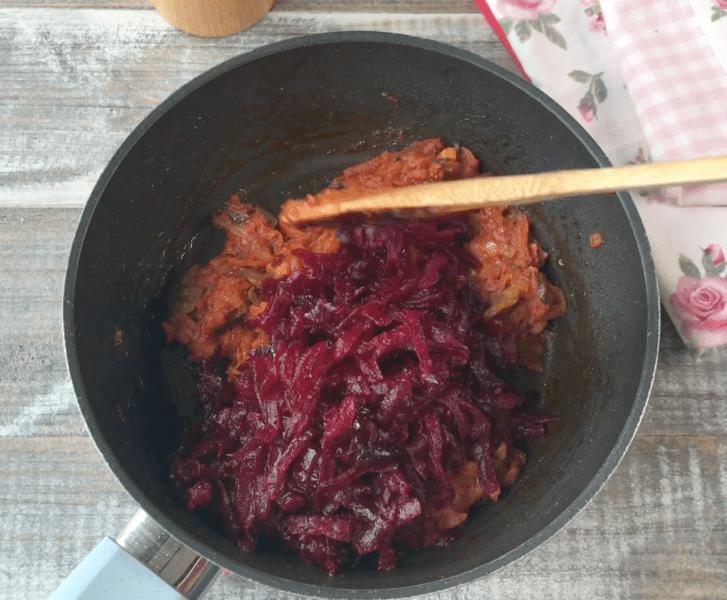 Борщ со свининой (делюсь семейным рецептом)