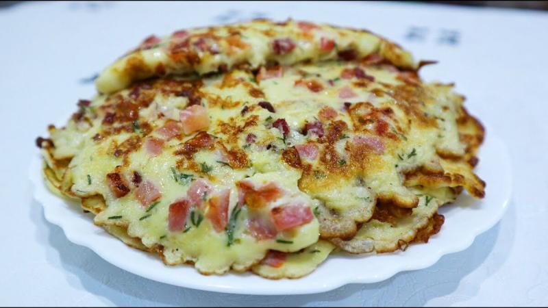Яйца, колбаса, сыр и помидоры, идеальный завтрак для всей семьи