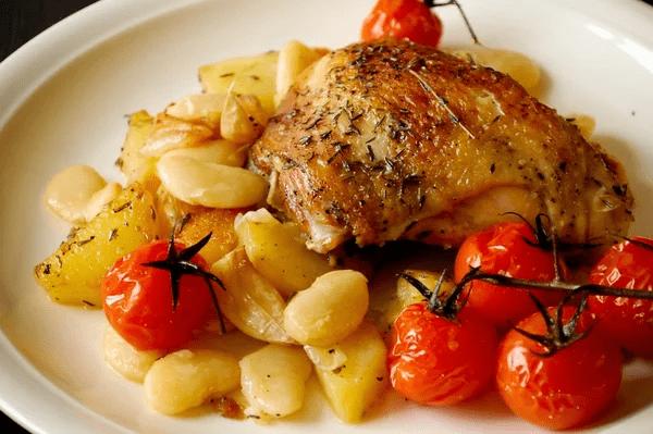 Картошка с курицей, всегда сытно.