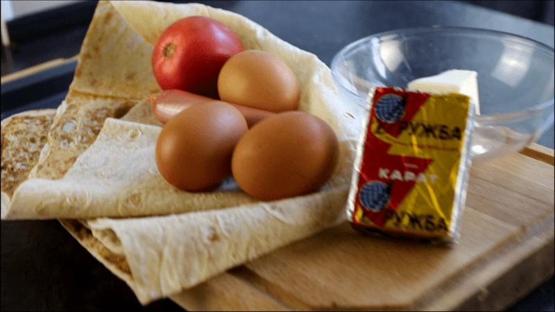 Рецепт: омлет с помидорами запеченный в лаваше