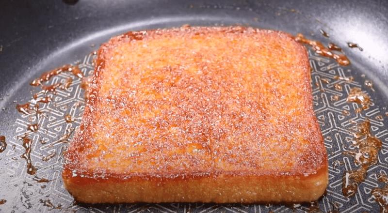 Бессовестно просто и вкусно: хрустящий сахарный тост к чаю☕