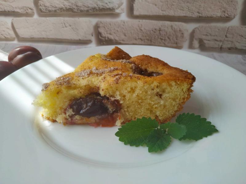 Быстрый сливовый пирог, готовится проще простого!