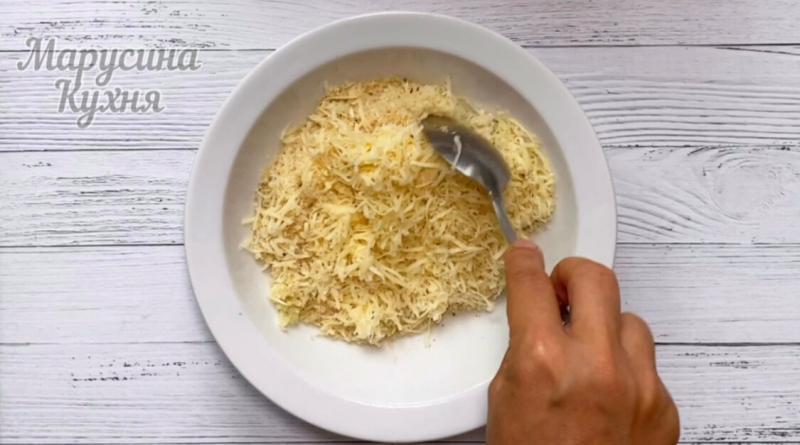 Дольки кабачков в сырной панировке в духовке