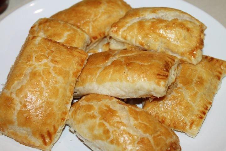 Слоеные пирожки с ветчиной и сыром. Пошаговый рецепт