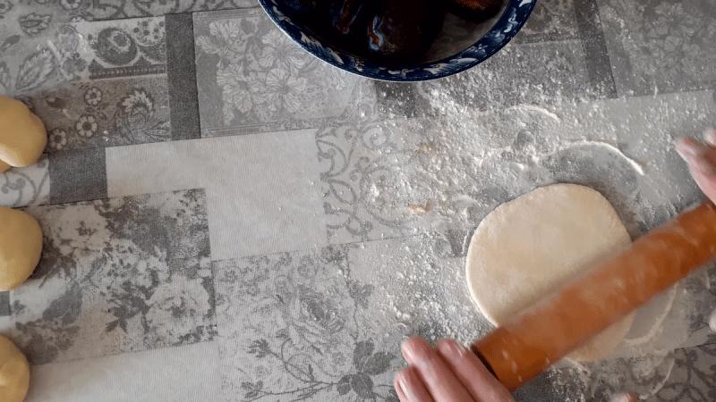 Варёные булочки со сливами в сметане! Кнедли по Шленски.