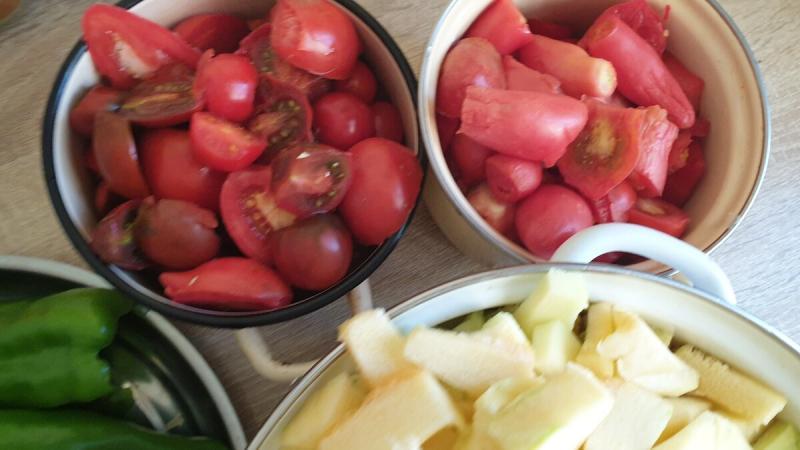 Аджика из кабачков. Рецепт острой закуски