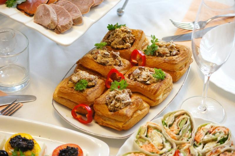 Что подала на праздничный стол после закусок и салатов(часть 2)