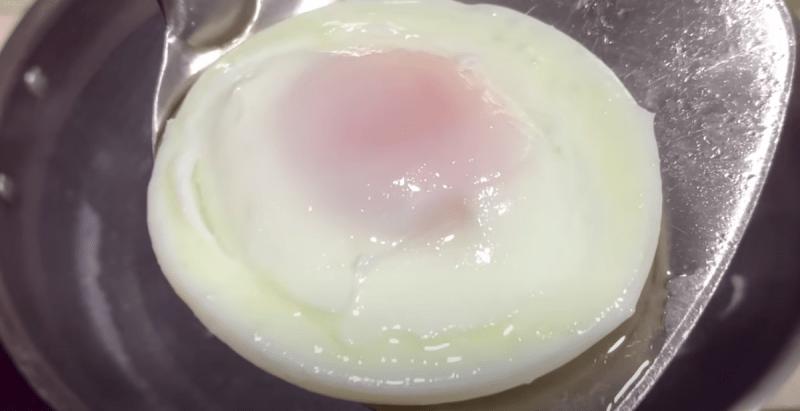 Как приготовить яйцо пашот: 3 простых способа